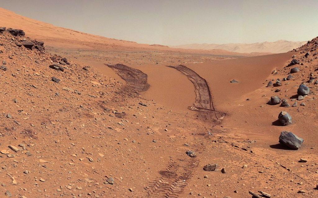 Фото поверхности Марса, сделанное марсоходом