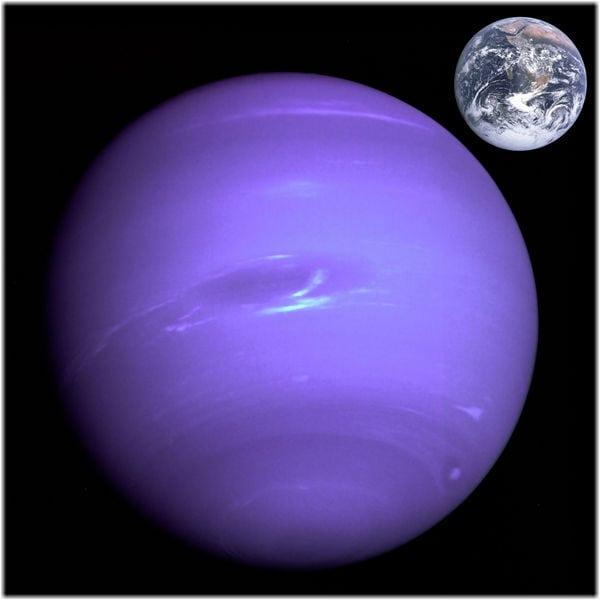 Нептун и Земля