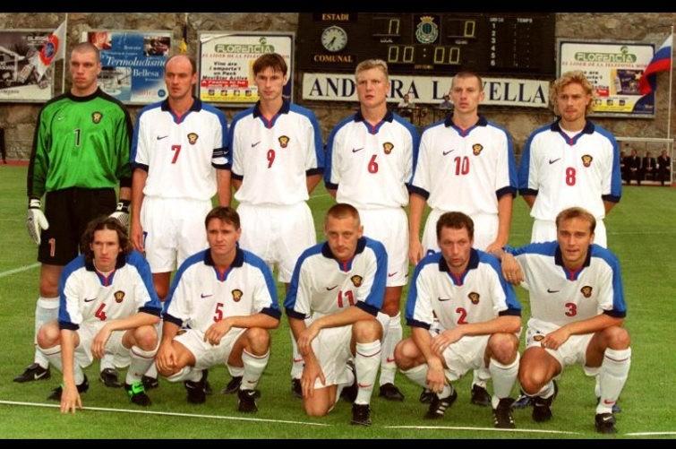Команда не из 90-х, но пример традиции