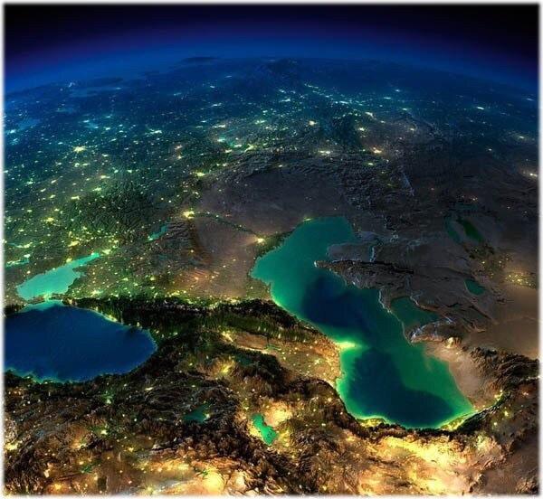Черное, Каспийское и Аральское (справа) море