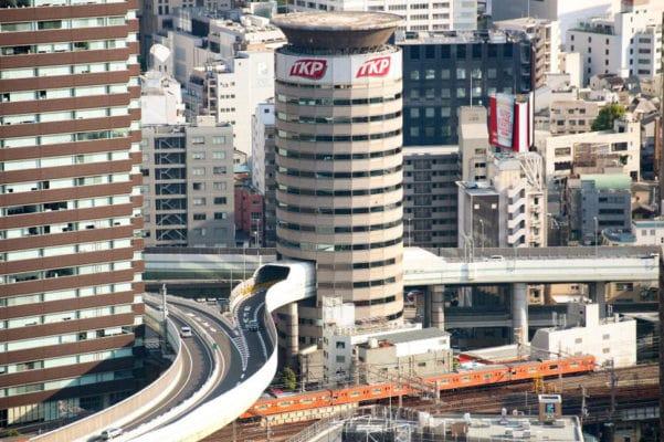 Осака: бизнес центр - шоссе