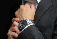 Почему часы носят на левой руке?
