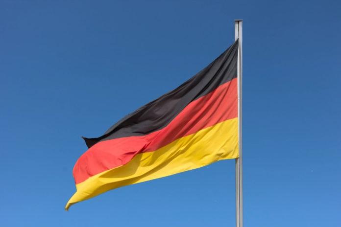 Почему немцы называют Германию Deutschland?
