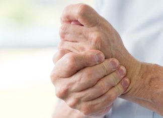 Почему болят руки?