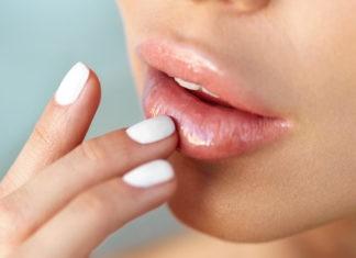 Почему немеют губы?