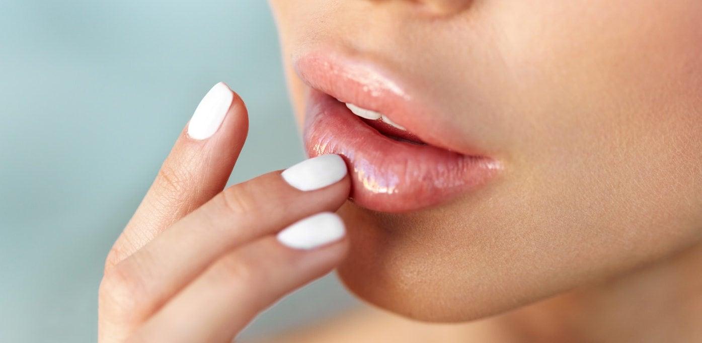 Немеют губы: возможные причины и лечение