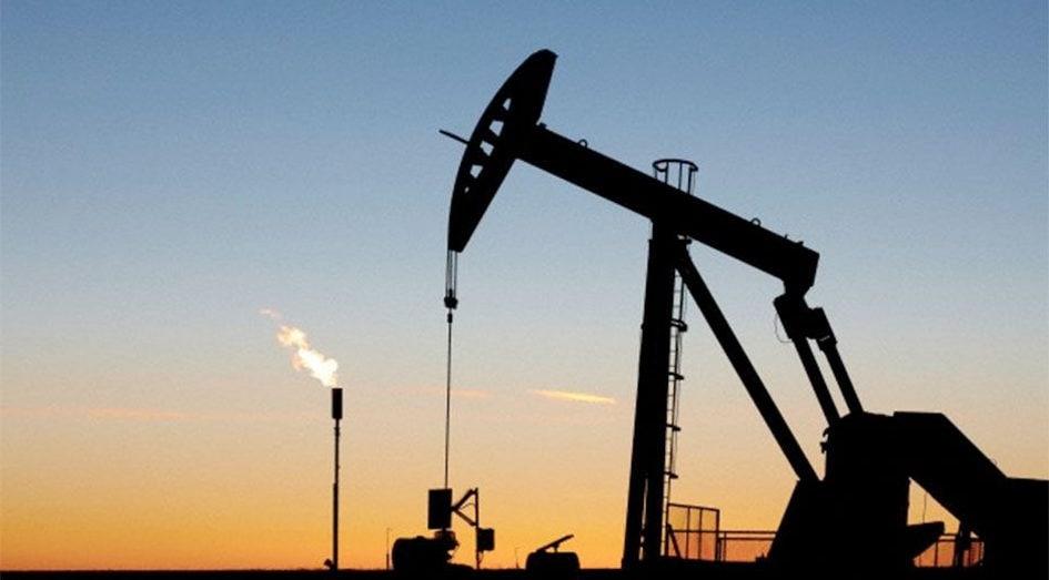 Почему на нефтяных вышках горит огонь?
