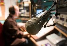 Почему в разных городах одна и та же радиостанция вещает на разных волнах?