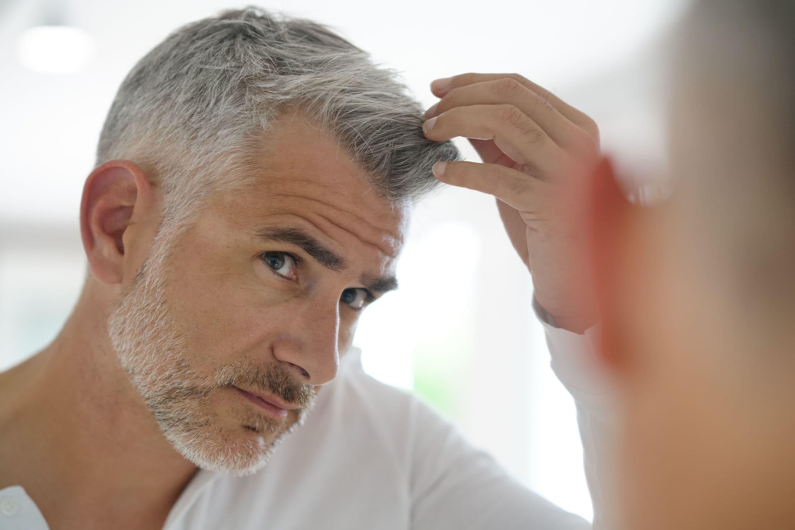 Почему седеют волосы?