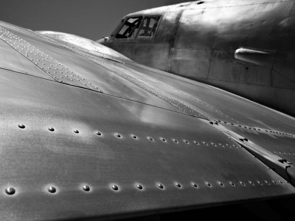 Самолет без краски