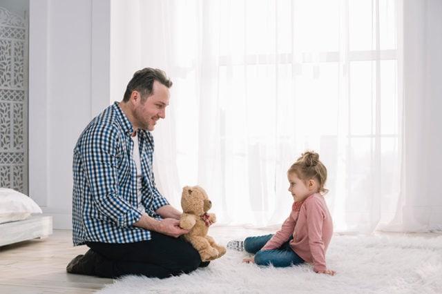 Почему важно играть со своим ребенком?