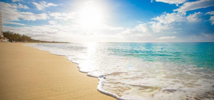 Почему волны идут к берегу?