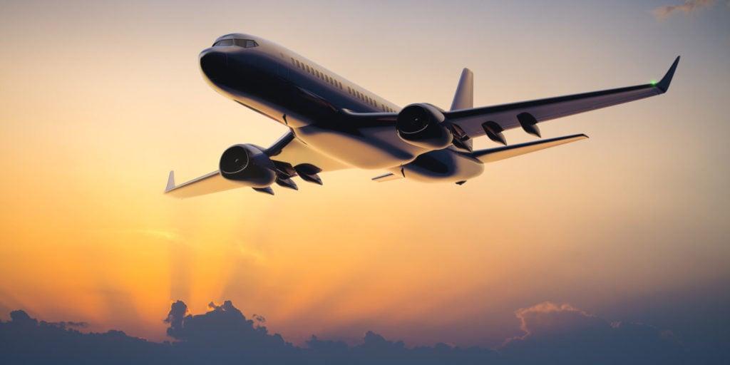 Почему у некоторых пассажирских самолетов загнуты кончики крыльев?