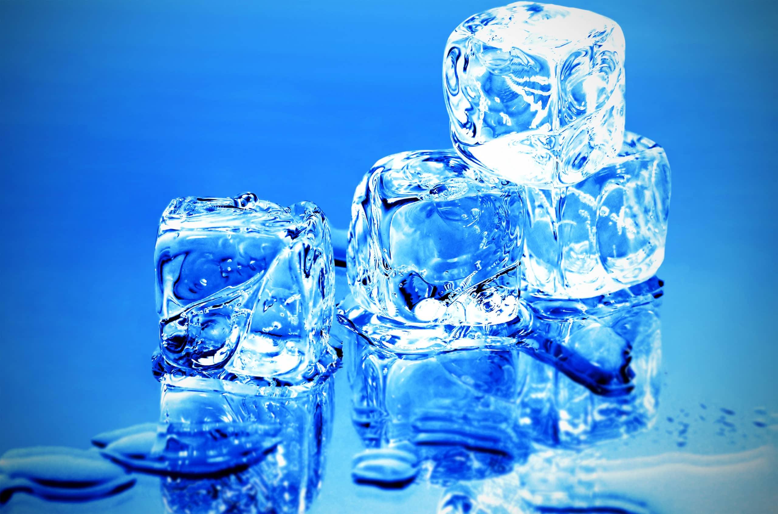 Плавление льда происходит при температуре 0°C