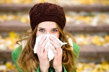 Почему осенью люди болеют?