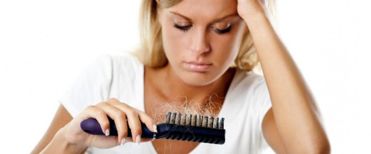 Почему осенью выпадают волосы