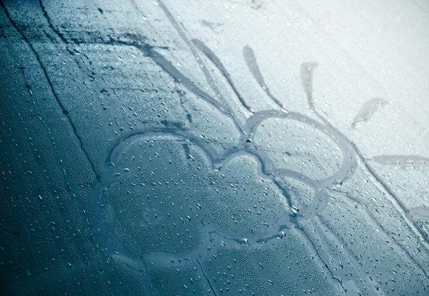 Почему потеют стекла в машине?