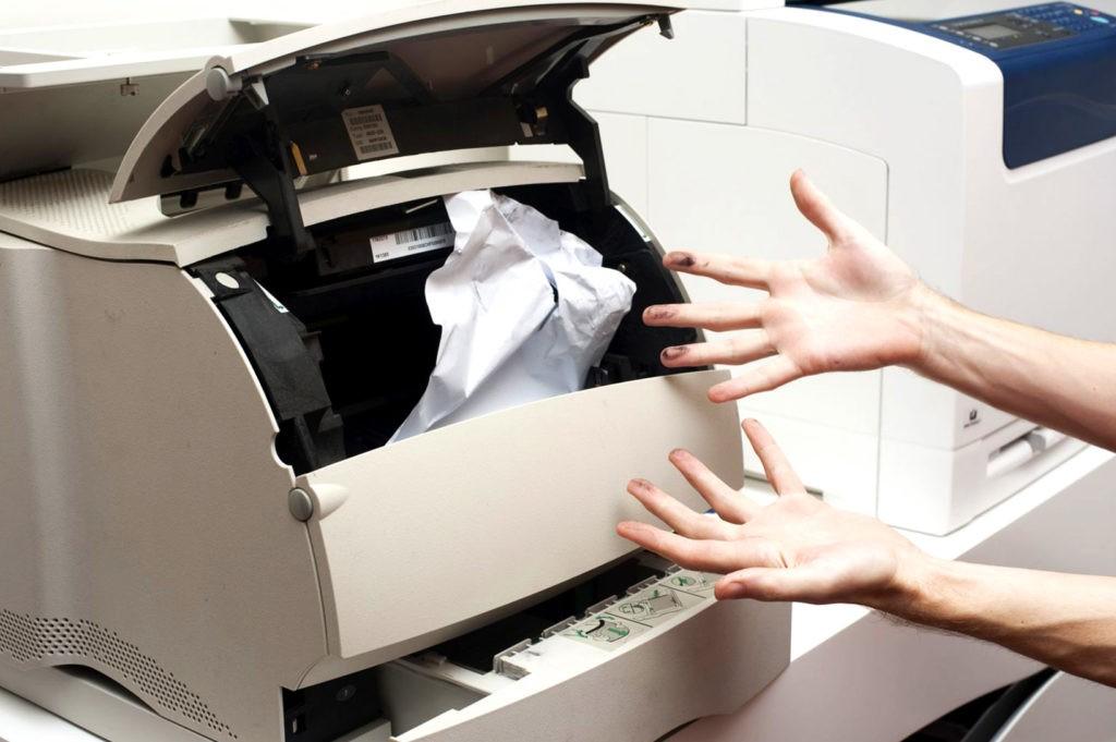 Неровная печать, скомканная или застрявшая бумага обычно связаны с неисправностью узла подачи