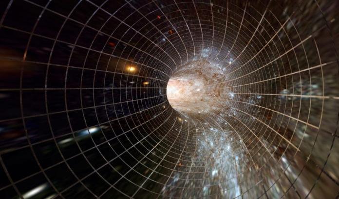 Взаимосвязь между пространством и временем