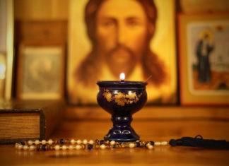 Почему православные крестятся справа налево, а католики слева направо?