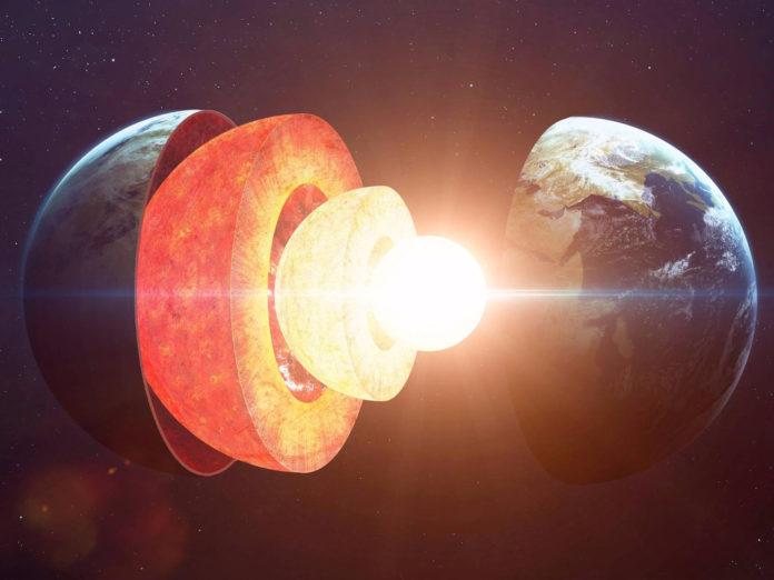 Центр и мантия Земли