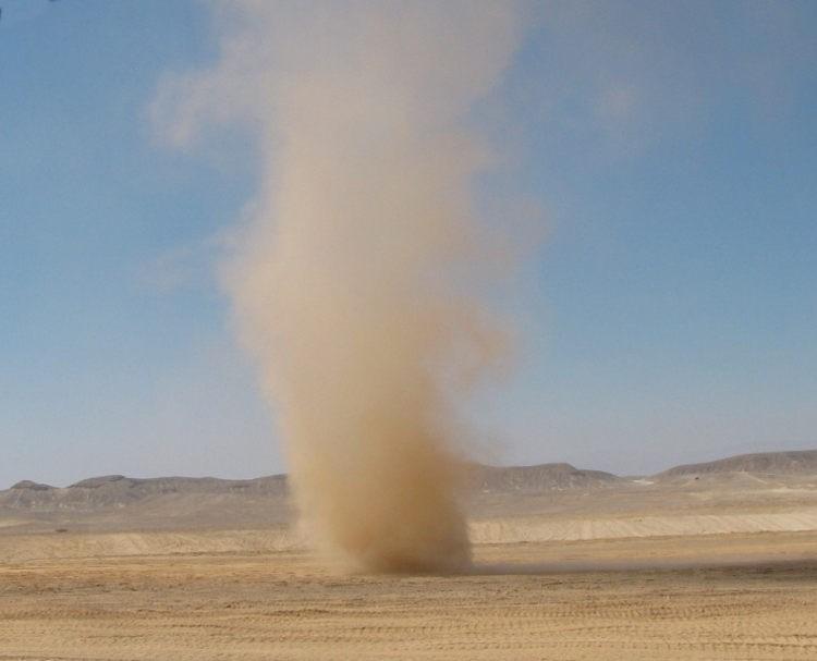 Песчаный смерч
