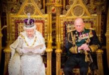 Почему в Англии правит королева, а не король?