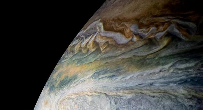 Поверхность Юпитера крупным планом