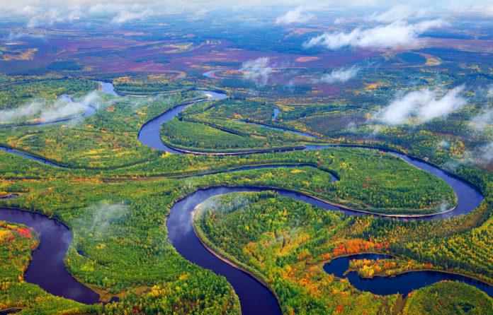 Почему реки извилистые?