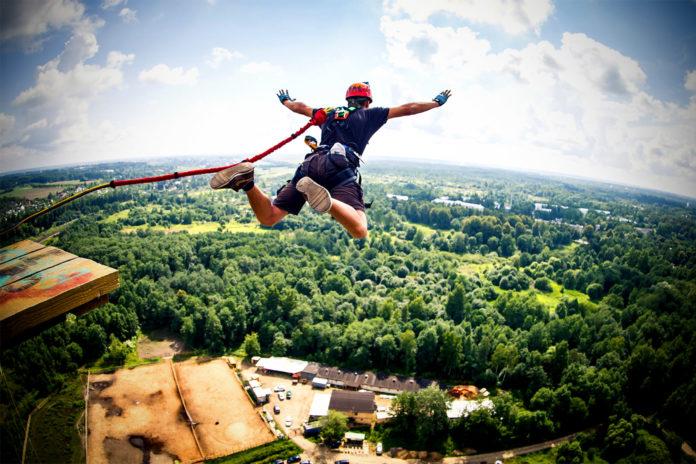 Какова максимальная перегрузка при прыжке с тарзанки?
