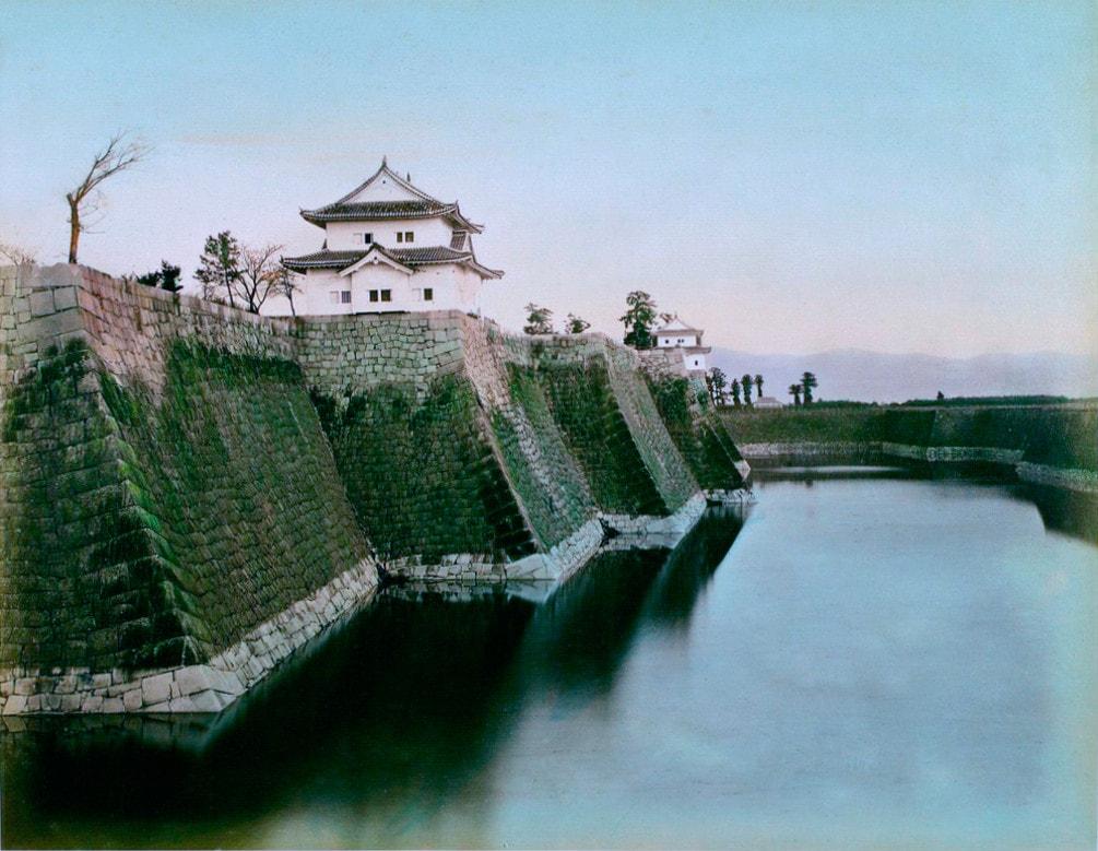 Ров и стены, окружавшие замок Эдо