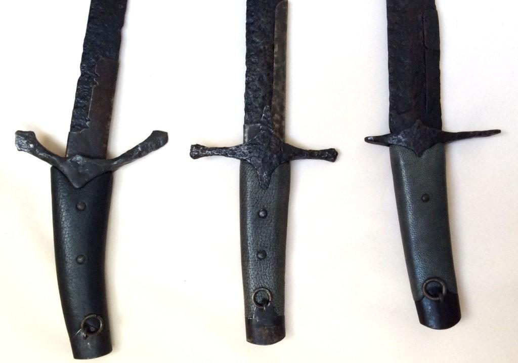 Обнаруженные искателями сабли VII-XV века