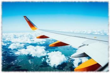 Почему у самолета раскачиваются крылья?