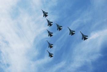 Истребители летят клином