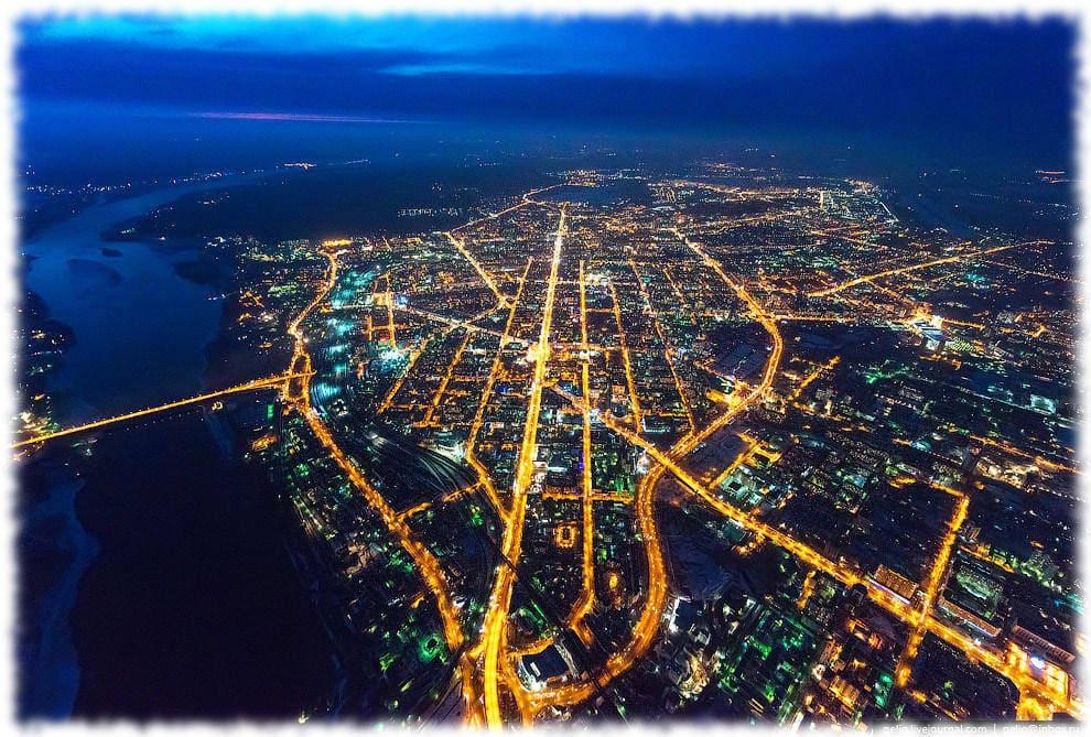 Красный проспект — центральная магистраль Новосибирска. Протяжённость — около семи километров.