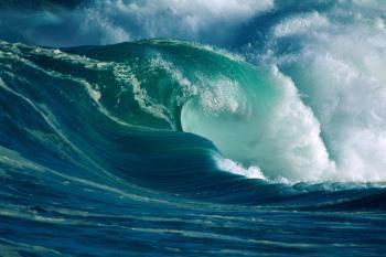 Как и почему возникают цунами?