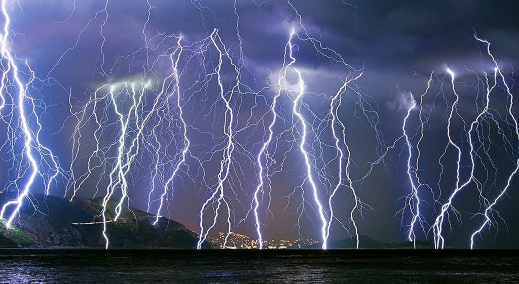 Шторовая молния