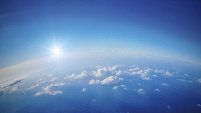 Небо над Землей
