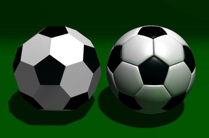 Сравнение усечённого икосаэдра (слева) с футбольным мячом