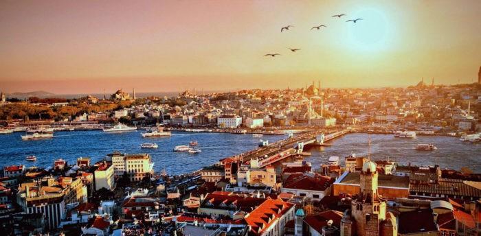 Стамбул расположен сразу на двух континентах