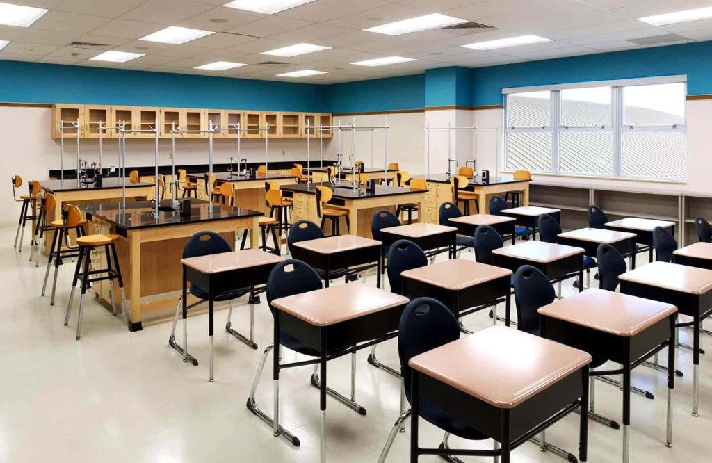 Современное оснащение гимназий позволяет ученикам закреплять знания на практике
