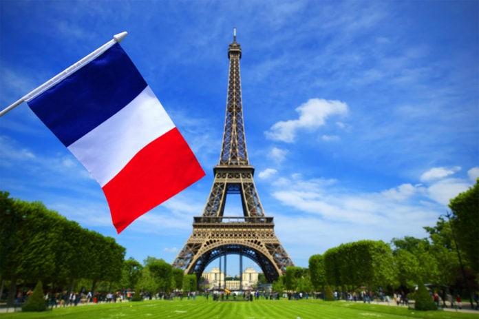 Когда триколор стал символом Франции?