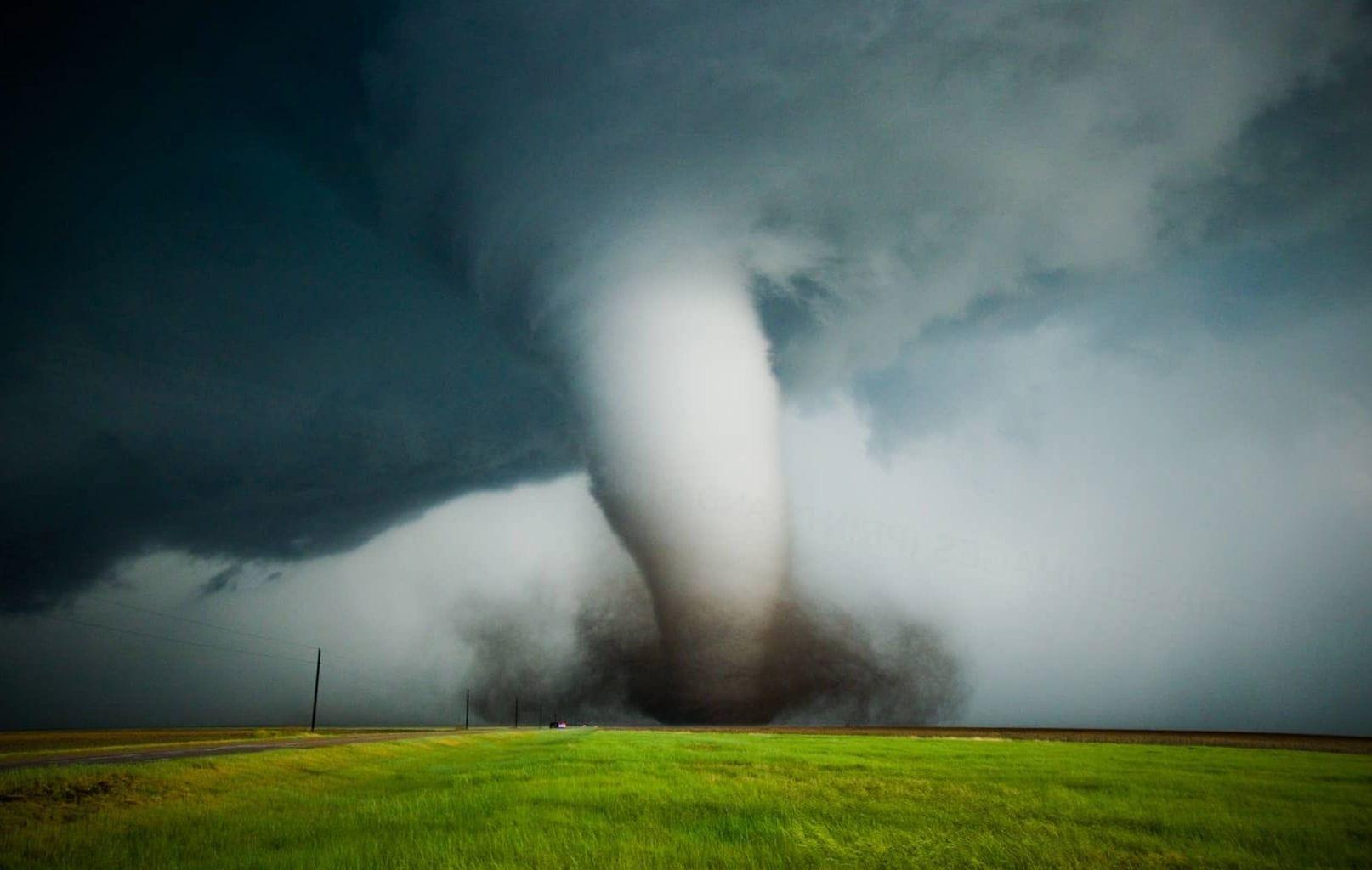 Смерчи, ураганы и торнадо - причины появления