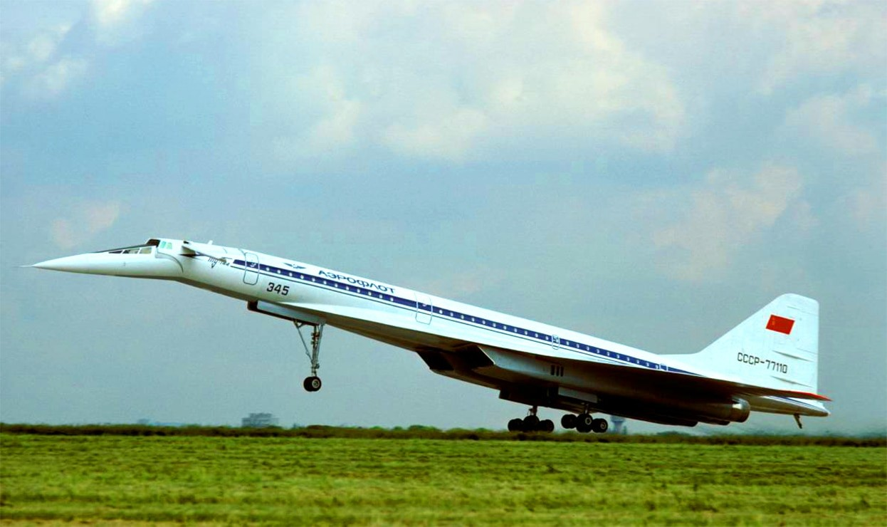 Сверхзвуковой пассажирский самолет Ту-144