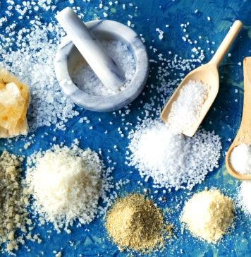 Чем отличается морская соль от поваренной?
