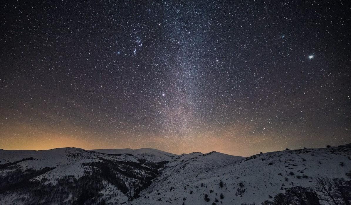 Способна ли звезда переместиться в другое созвездие?